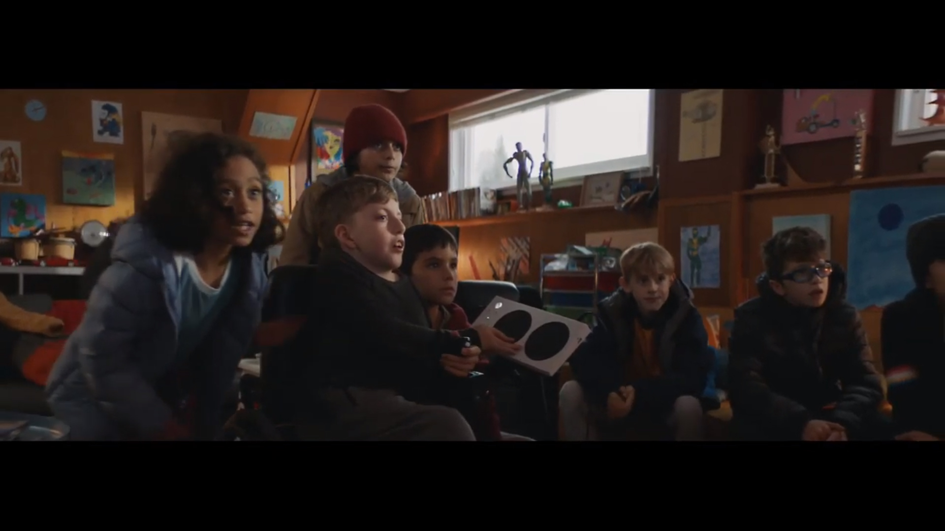 Best Christmas Commercials Owen And His Xbox Adaptive Controller Stars In Microsoft S