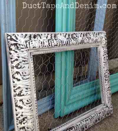 Close up of my chicken wire frames | DuctTapeAndDenim.com