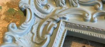 Close up of frame details | DuctTapeAndDenim.com