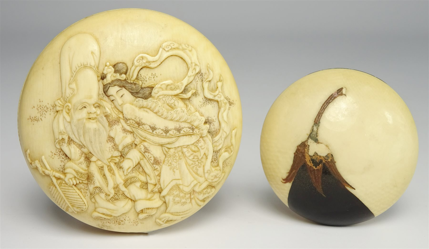 Japanese Ivory Kagamibuta Netsuke Carved With Figures And