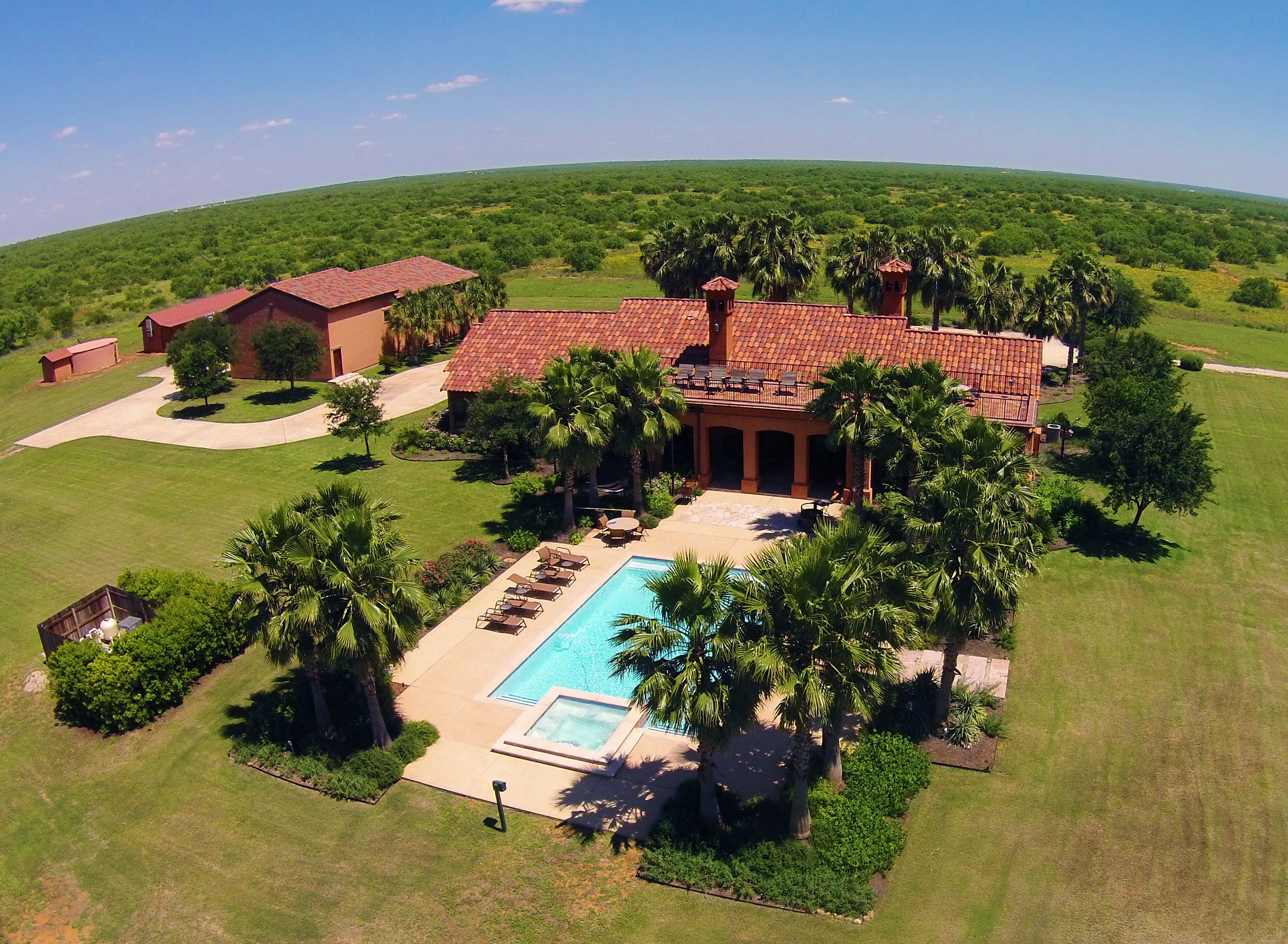 Farmhouse For Sale In Texas 2 721 Acres La Corona Ranch Dullnig Ranches