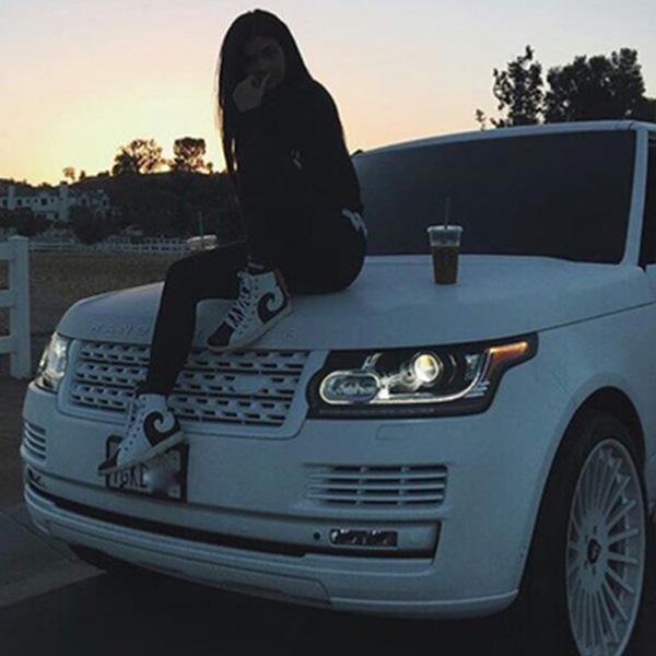 Cute Stylish Girl Wallpaper Download Thinking Girl Sitting On Car