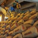 Perang harga dan rencana pembatasan investasi menjadi fokus tantangan produsen semen di Indonesia pada kuartal IV tahun ini.