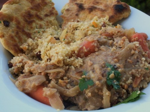 Poulet yassa, couscous, flatbread-Duo Dishes