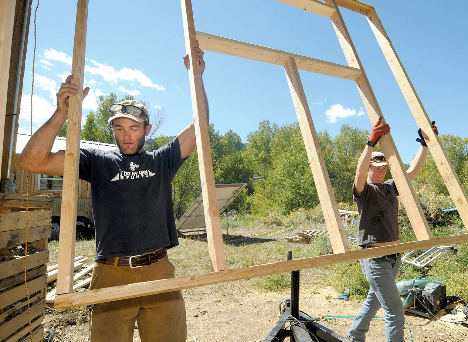 Elegant Rocky Mountain Tiny Houses Gets A Hand From Laura Faubion Inbuilding A Home At His Durango Big Rocky Mountain Mansion Tiny House Nation Rocky Mountain Tiny House Cost Greg Parham curbed Rocky Mountain Tiny Houses