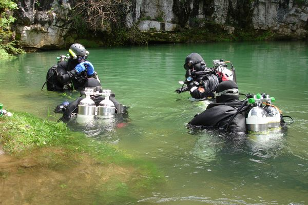 Action Gevarendriehoek Dutch Cave Dive Group