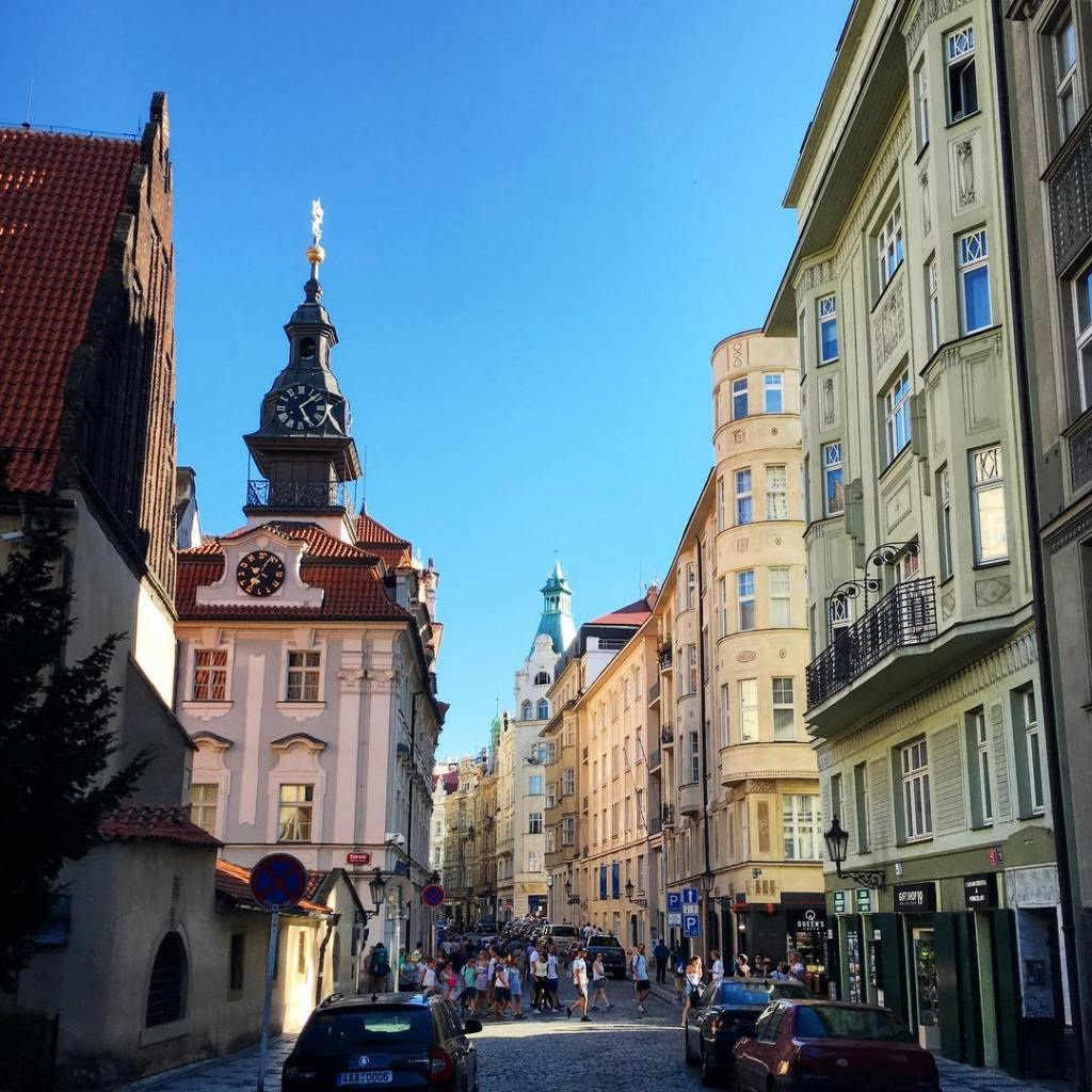 tbt to wandering the streets of Prague in the latehellip