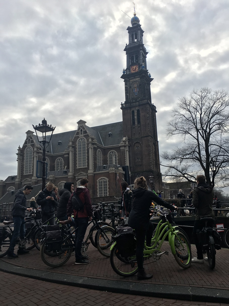 Airbnb Nl Amsterdam Ten Tourists For Every Amsterdammer New Report Dutchnews Nl Live