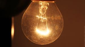 Dirty-Bulb-Photo-by-Guillaume-Louyot-num_20305-720p