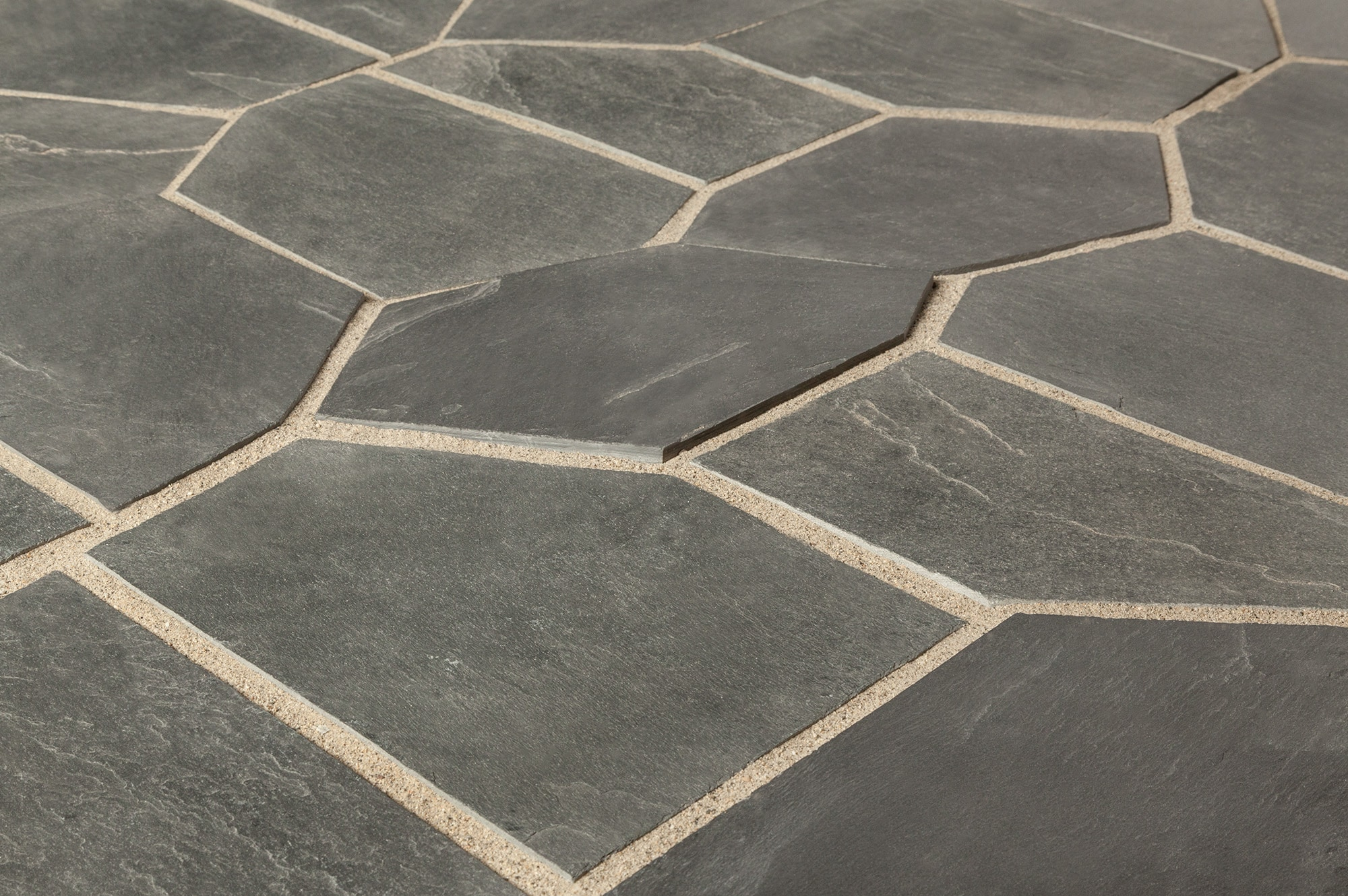 Roterra Slate Tile Meshed Back Patterns Silver Black