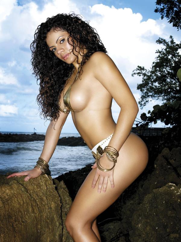 nina_santiago-modelindex-dynastyseries_08