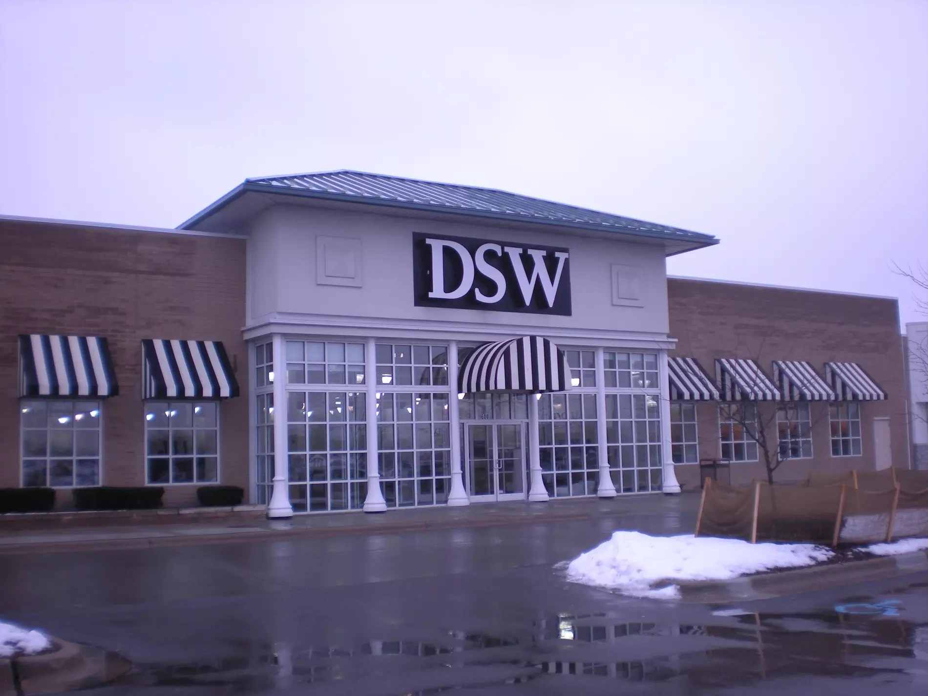 Warehouse In Michigan Dsw Women 39s And Men 39s Shoe Store In Troy Mi
