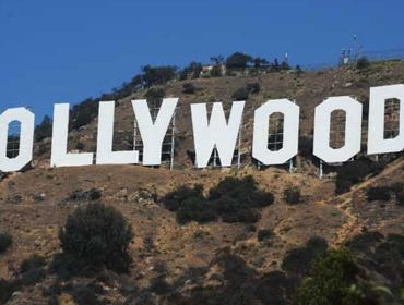 ghost-sightseeing-at-the-hollywood-sign