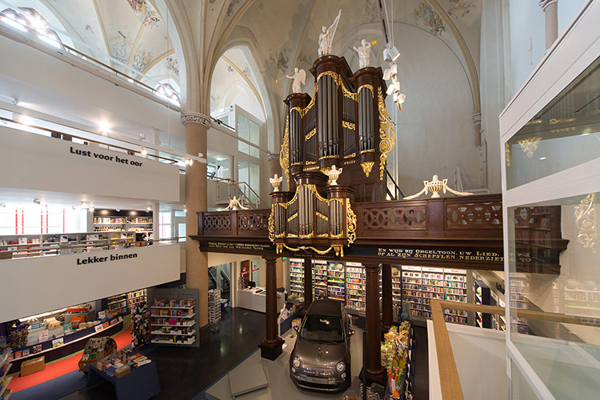 broerenkerk-church-transformed-into-a-bookstore-zwolle-netherlands-08