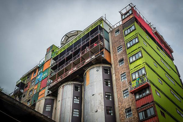 student-housing-shipping-container-in-johannesburg-by-citiq-02