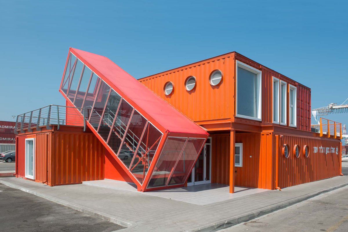 Architekt Container Haus Angled Shipping Container Houses A Scissor Staircase