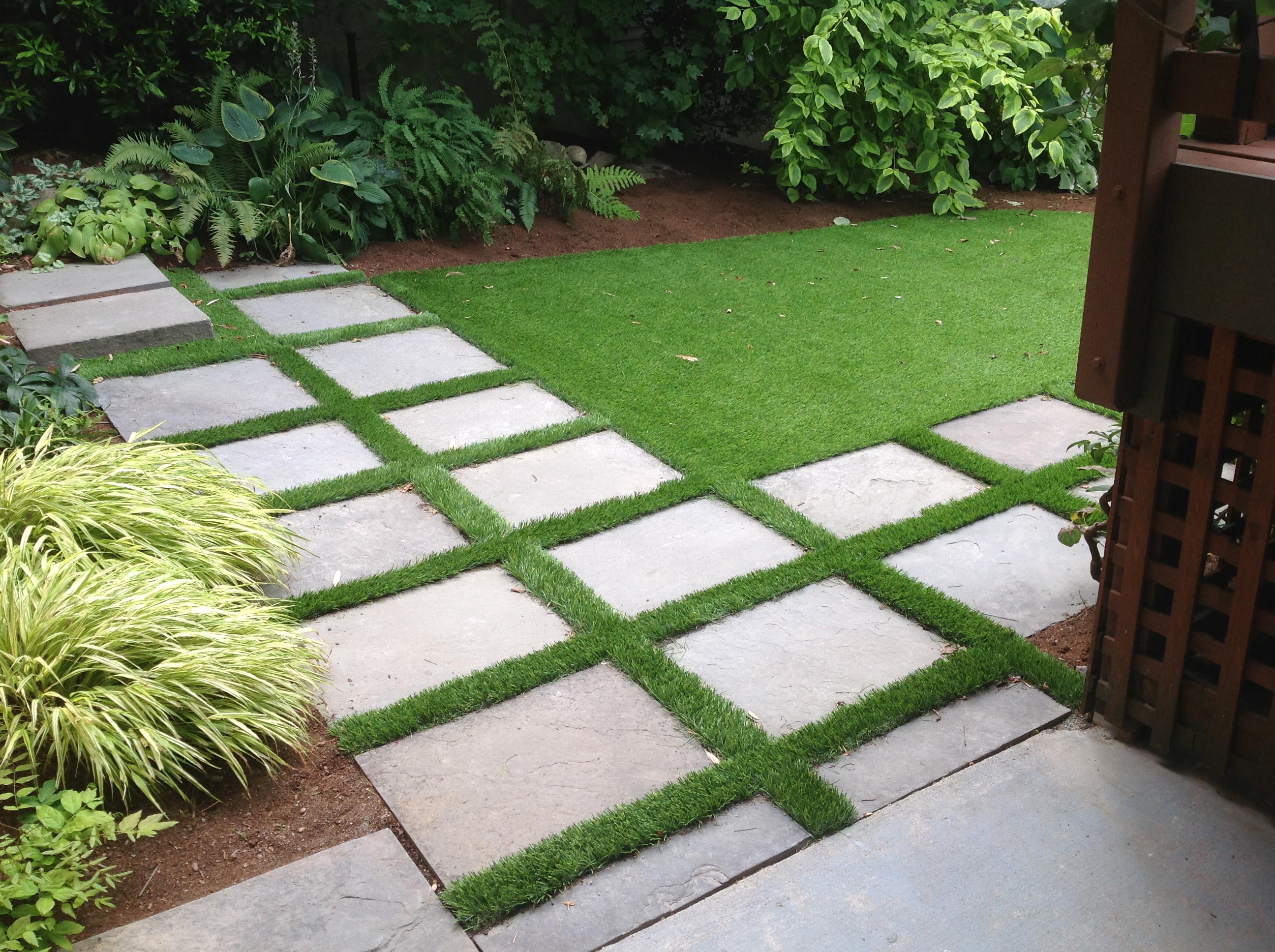 synthetic turf dzingle 39 s landscaping llc serving the auburn and seattle washington area. Black Bedroom Furniture Sets. Home Design Ideas