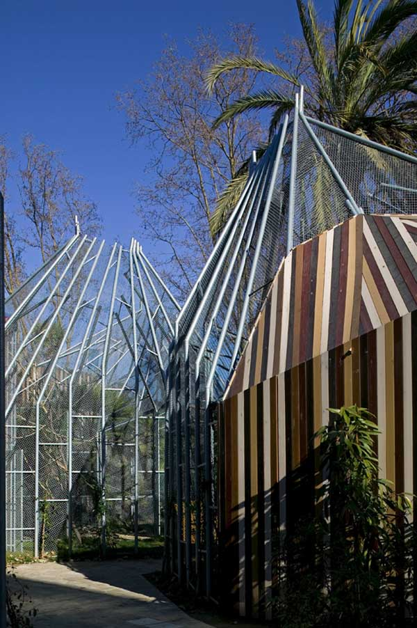 Inspiration Barcelona Zoo: Bird Cage Building - E-architect
