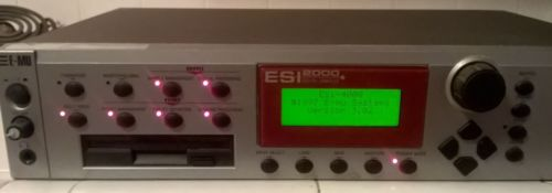 E-MU ESI-2000 Digital Sampler w/CD's FREE SHIPPING!
