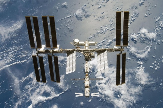 Boeing and SpaceX get NASA contracts to take astronauts to the ISS