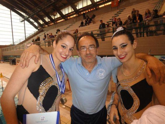 Η Βολιώτισσα πρωταθλήτρια με τον Κ. Τάσιο και τη Σ. Τσιπουρίδη-Παρασκευοπούλου (δεξιά)