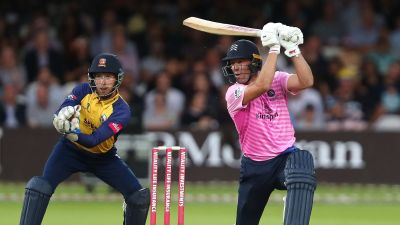 AB De Villiers' explosive 88 not out on Middlesex debut seals Vitality Blast win over Essex ...