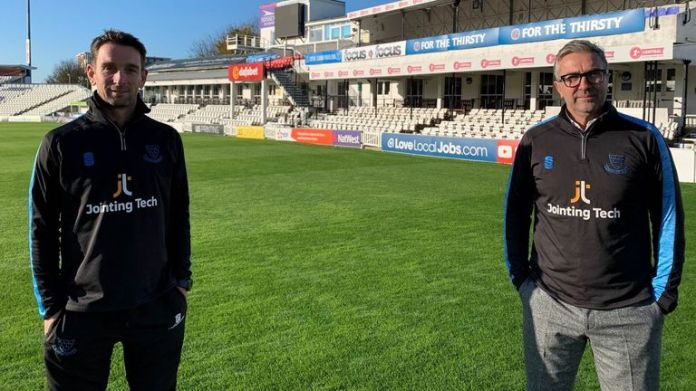 James Kirtley (L) and Ian Salisbury will split the role of Sussex head coach in 2021 (credit: Sussex Cricket)