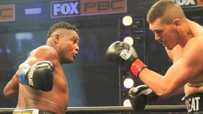 Luis Ortiz easily defeated Alexander Flores in Los Angeles