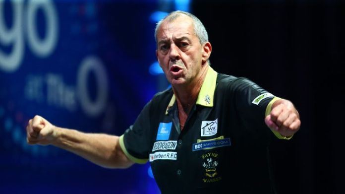 Warren is bidding to make his mark in what's set be the final Grand Slam featuring BDO representatives.