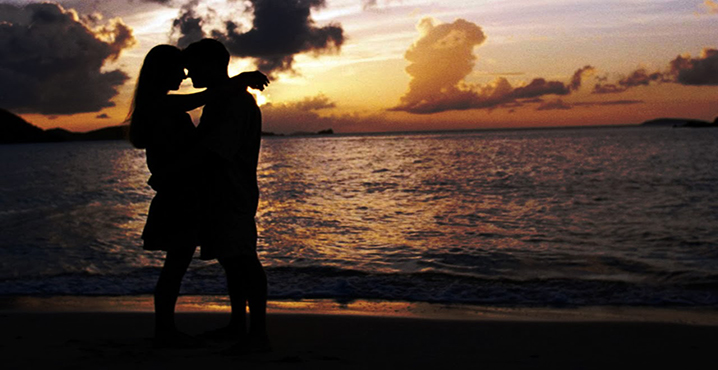 casal_amor_praia_romance_namorados_vida_saude_dinheiro_tumblr_sexo_ninfetinha_romance