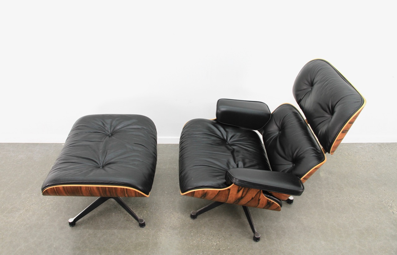 Vitra Eames Lounge Chair Black Black 1992 Vitra Eames Eames Lounge Chair Ottoman Lounge Seating In Very Good Condition