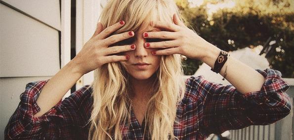 shy-hippie-girl