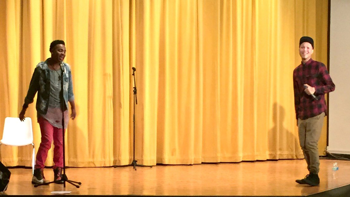 """""""American Idol"""" contestant and """"The Voice"""" finalist Jamar Rogers performed at ETSU Wednesday for National HIV/AIDS Awareness Day. (Photograph Contributed)"""