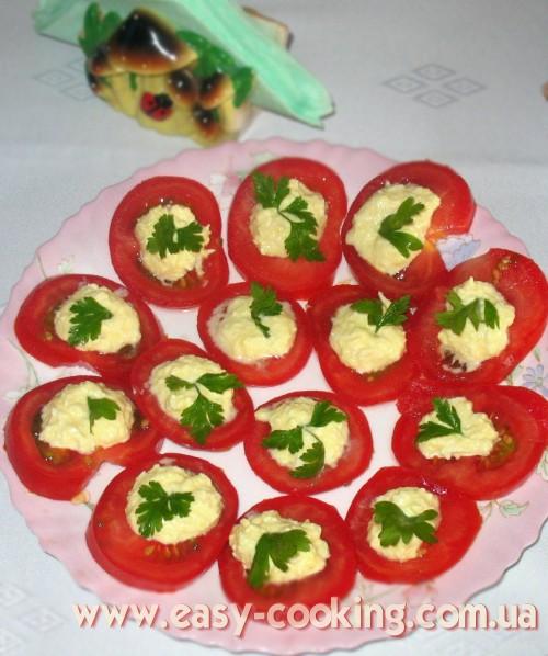 Салат с плавленым сырком и чесноком