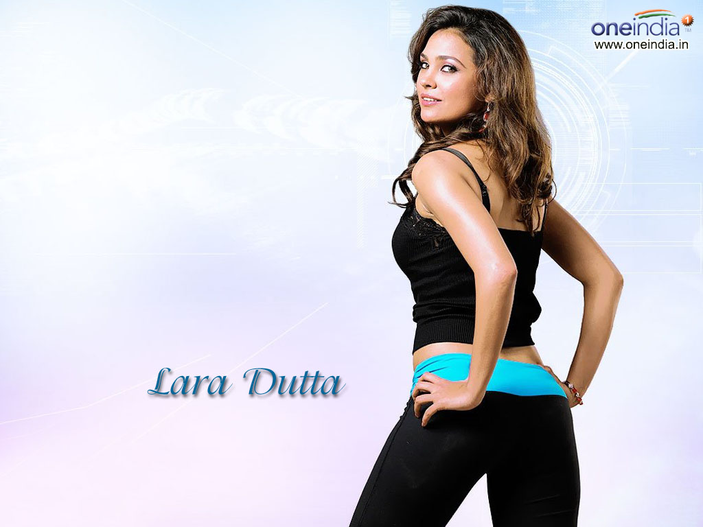 Akshay Kumar Hd Wallpaper Lara Dutta 171 Easy4us
