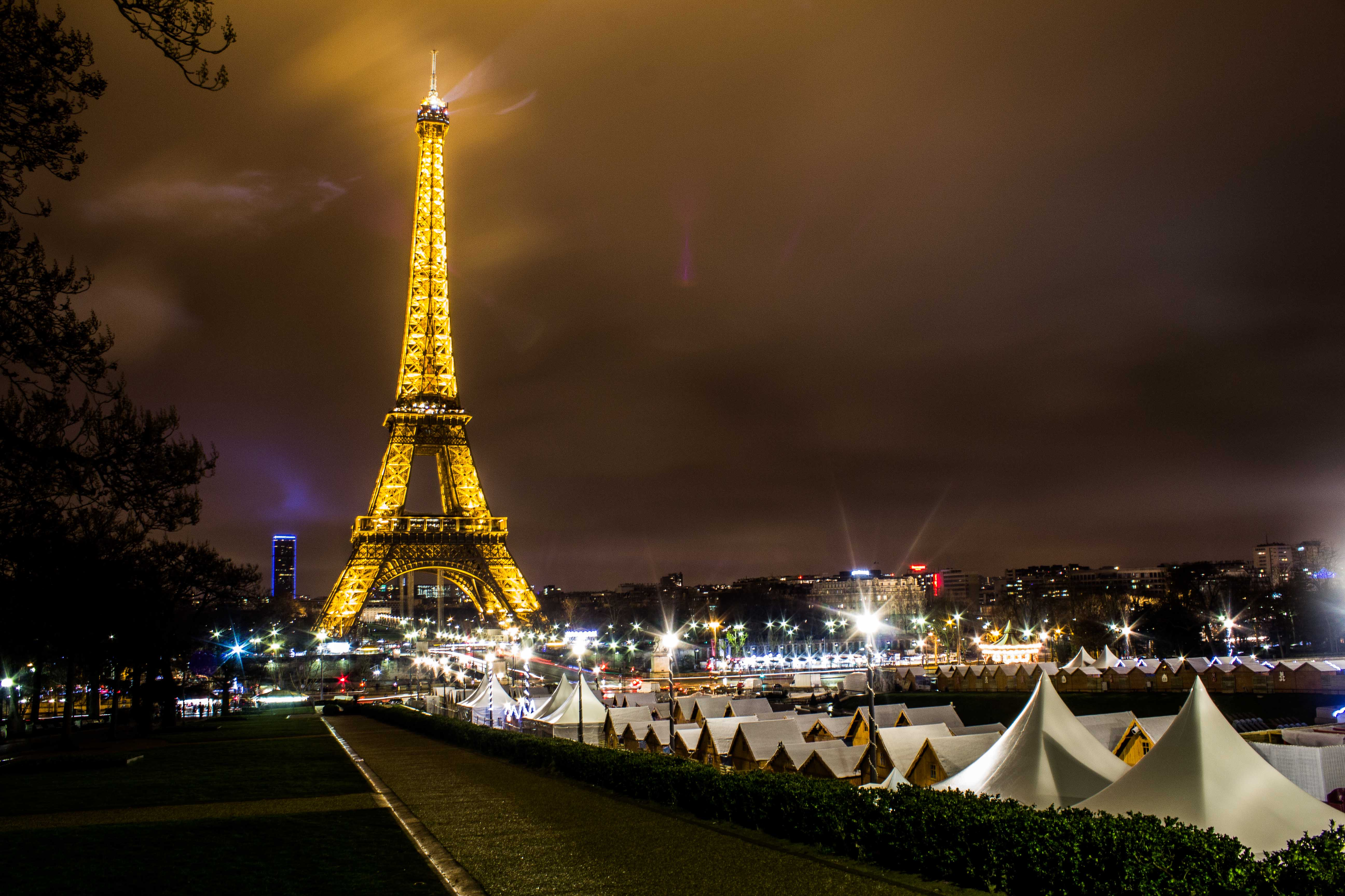 Car Lights Night Wallpaper A Weekend Away To Paris At Christmas Easy Booking Group