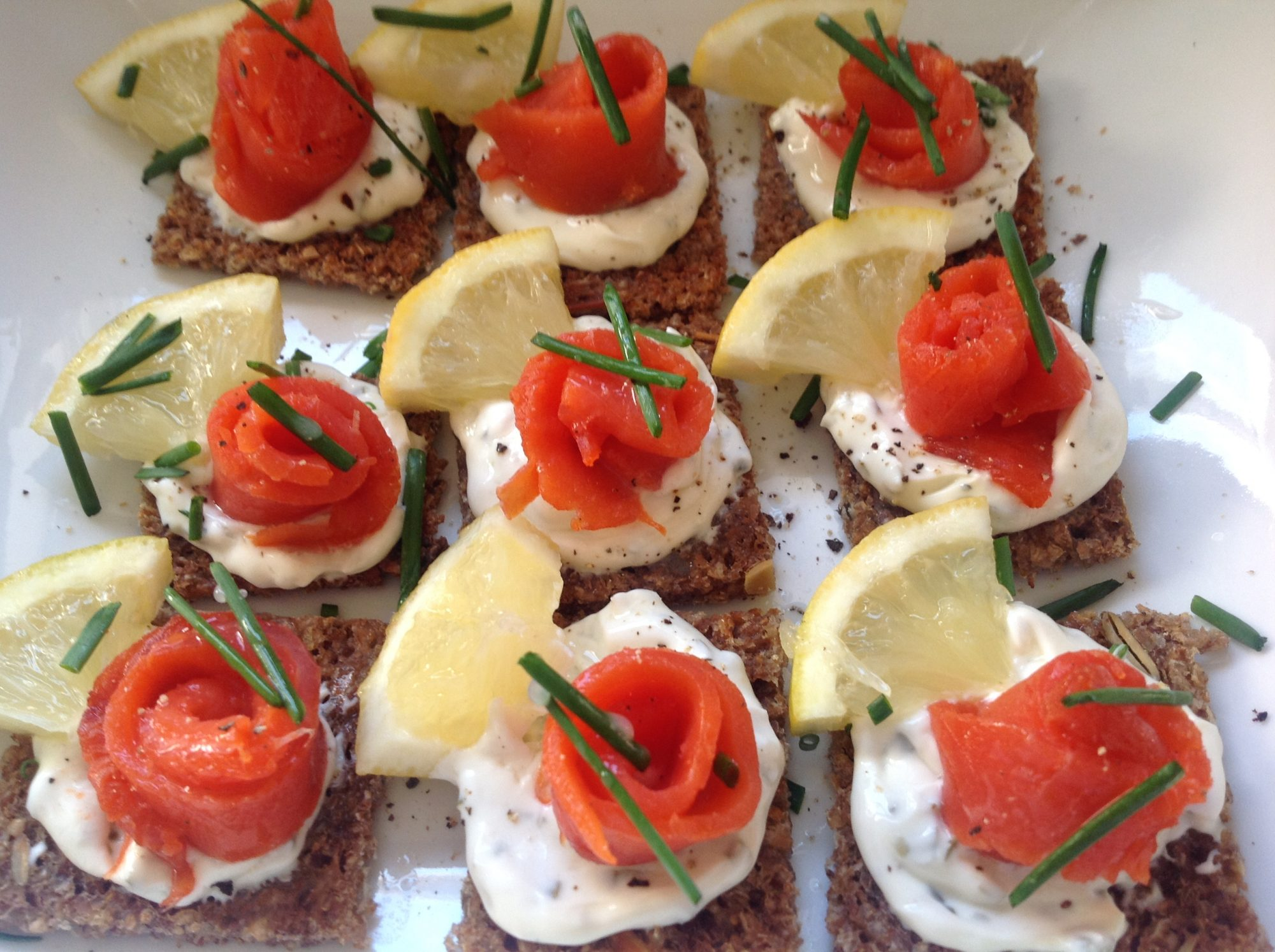 Canapé King Size Smoked Salmon Canapés On Rye Bread Easy Peasy Lemon Squeezy