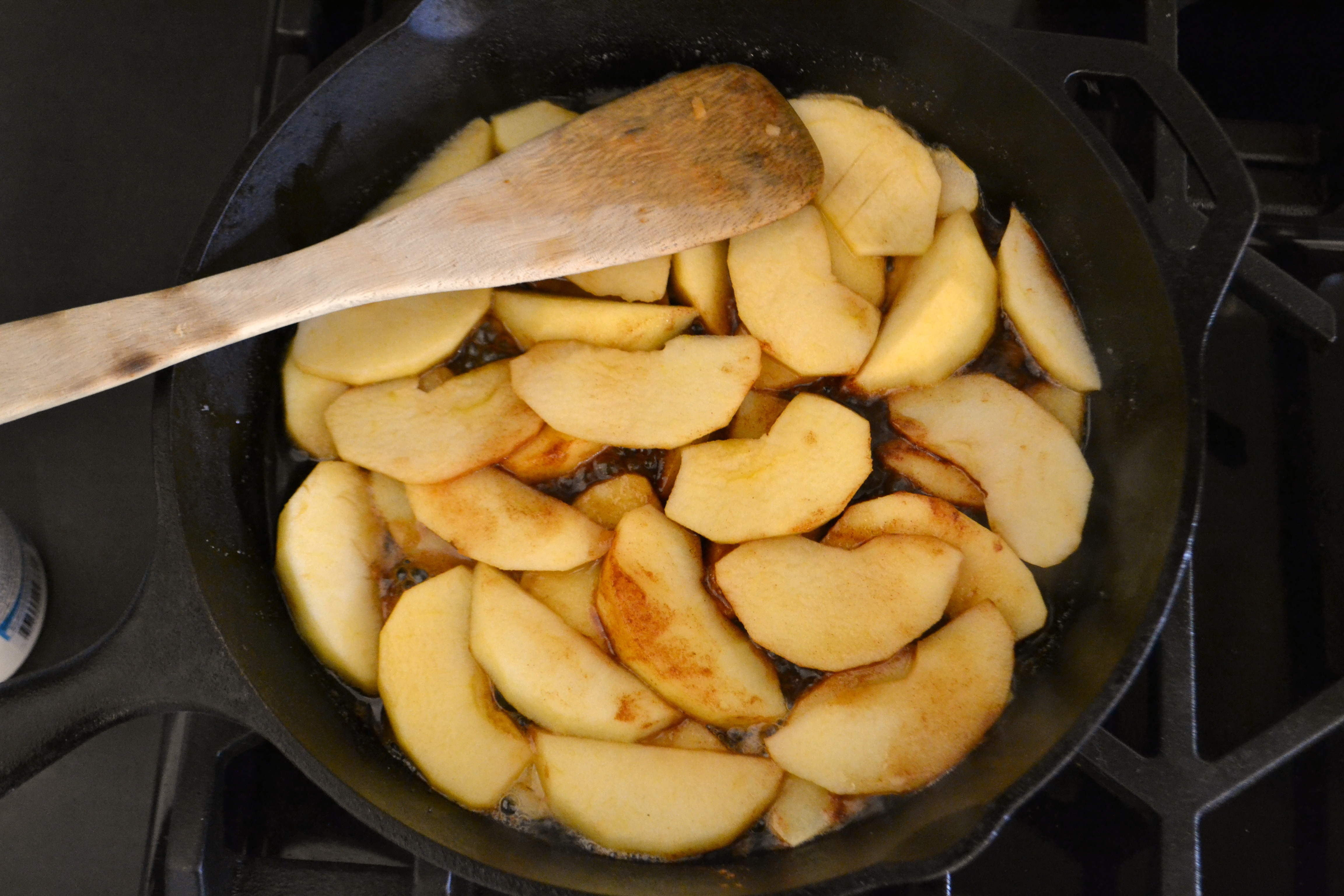 Ovenproof Frying Pan Skillet Apple Pancake Eat Well Be Well Live Well