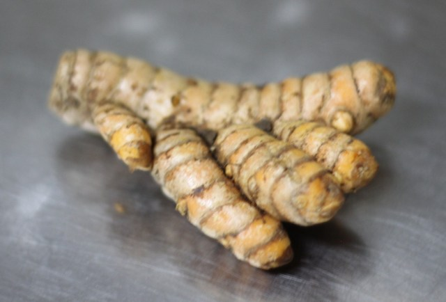 Whole turmeric