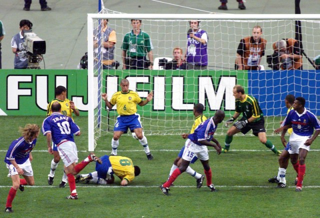 FILES-FBL-CUP-FR98-FRA-BRA-ZIDANE-GOAL-FEATURE