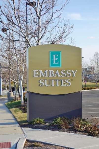 Sign Embassy Suites Elizabeth NJ