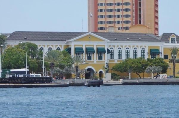 Curacao_GovenorHouse1