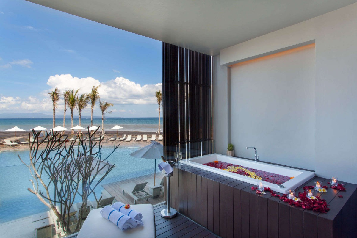Jacuzzi Pool Villa Bali Splendid Amenities Of Wyndham Tamansari Jivva Resort Bali