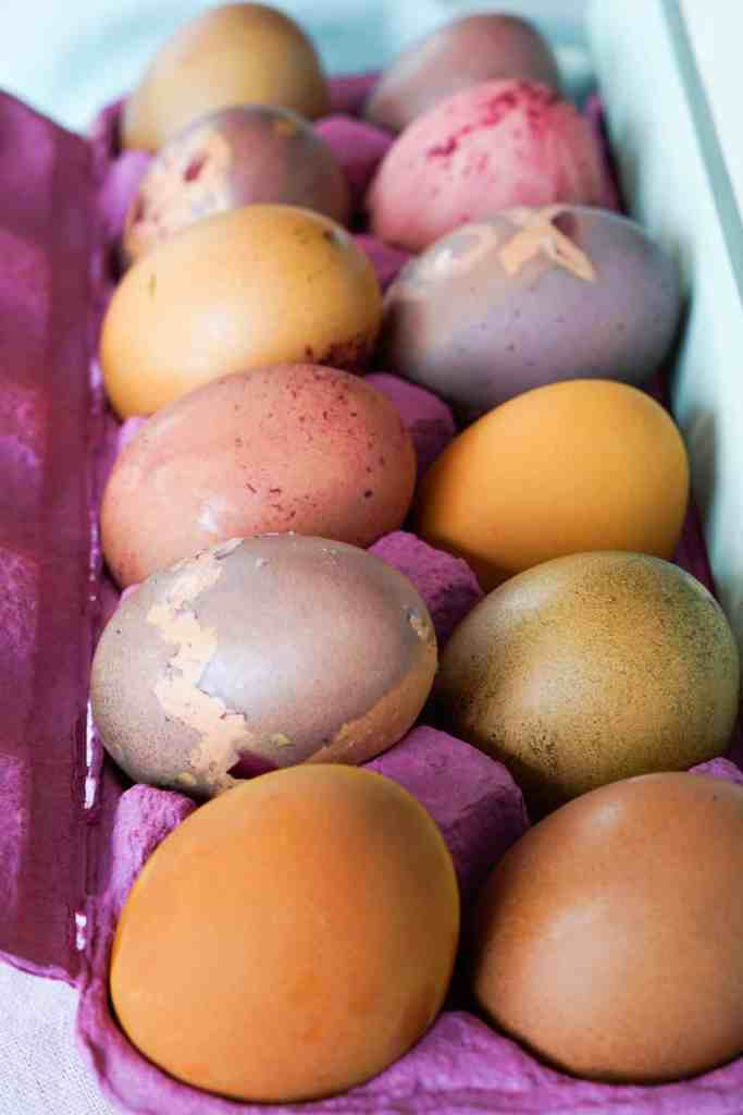 Completely natural and easy Blue, Yellow, Red, Pink, and Green Natural Food Dye Recipe for Naturally Dyed Easter Eggs. No artificial colors.