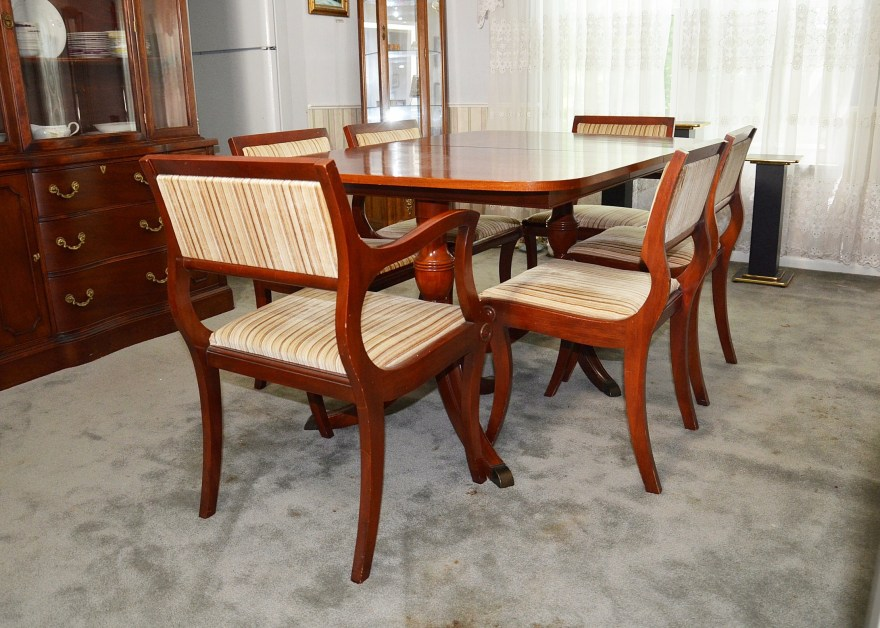 Duncan Phyfe Style Cherry Dining Room Table And Chairs Ebth