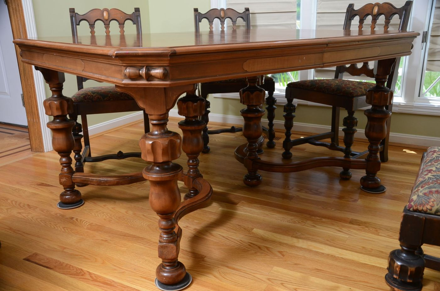 Jacobean Style Dining Room Table And Chairs Ebth