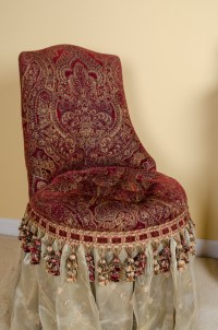 Bombay & Co. Majesty Skirted Vanity Chair : EBTH