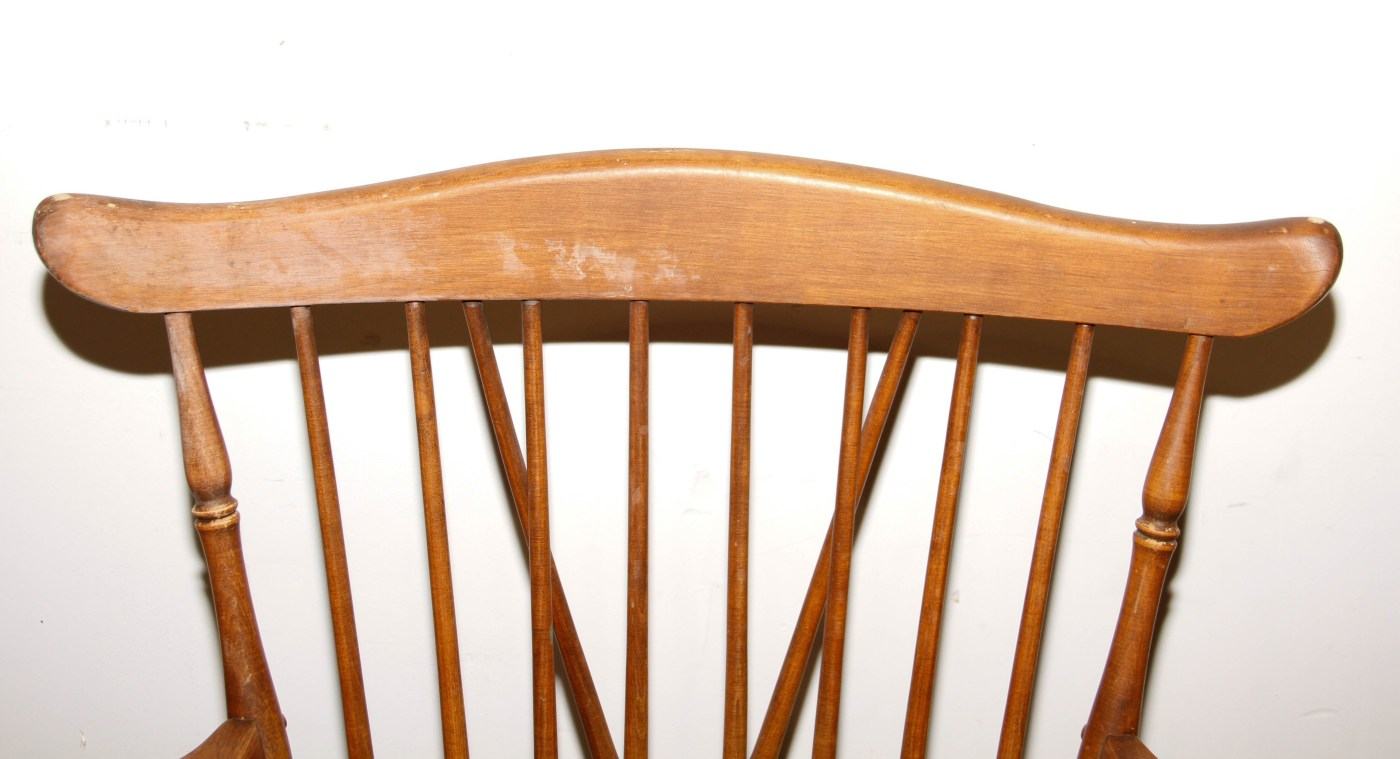 Set Of Brace Back Windsor Style Dining Chairs Ebth