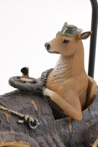 Whimsical Hunting Themed Accent Lamp : EBTH