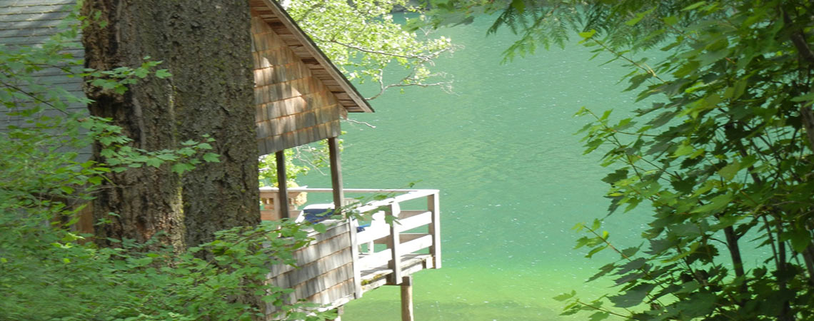 Echo lake resort cabins and campground lumby bc for Echo lake cabin rentals